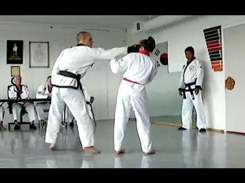 Girl VS Man - Real Fight During the Black Belt Test TAEKWONDO ITF