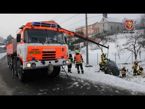 9.1.2017 Dopravní nehoda - uvolnění komunikace, odtažení, Kopřivnice - Mniší