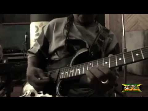 Horace Andy with Robbie Shakespeare & Sly Dunbar- Livin It Up - 2007