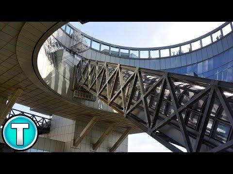 World's Most Horrifying Escalator vs. Umeda Sky Building In Osaka, Japan