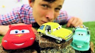 Игры машинки: Маквин и Мэтр! Мультфильм Тачки 2, видео про игрушки.