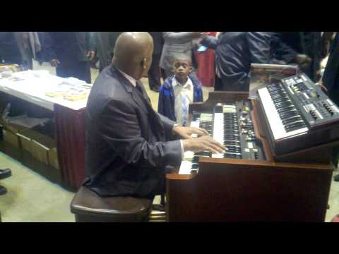 Moses Tyson plays Yes Lord and Amazing Grace