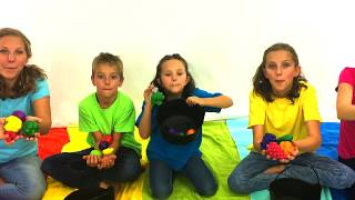 Learn English Words! Pretend Play Vegetables and Fruits with Sign Post Kids!