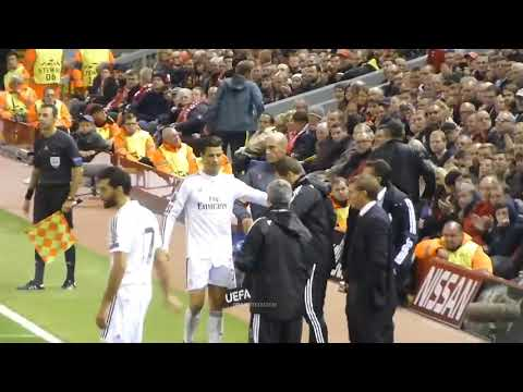 Real Madrid & Liverpool Fans Applauded Cristiano Ronaldo At Anfield