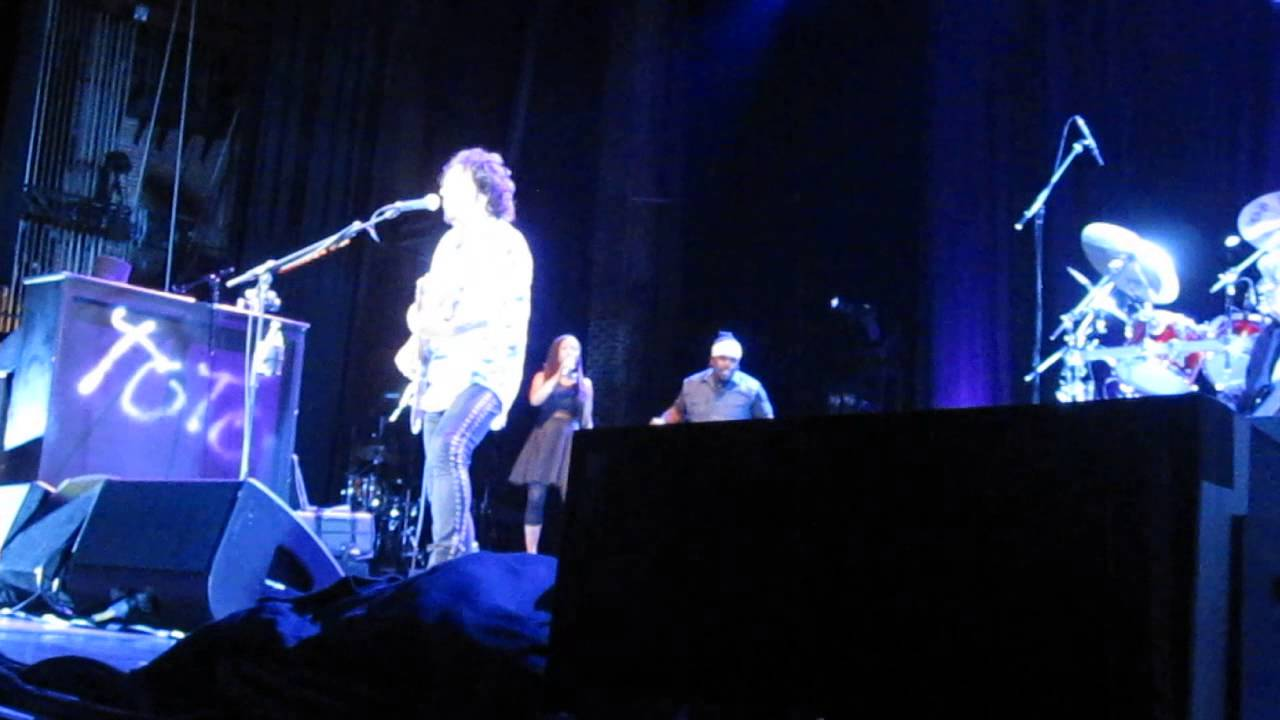 Toto- On The Run- Rosannna- Atlanta, GA 8-22-14 - YouTube