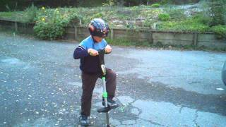 Aaron explaining how to use a pogo stick (tutorial from 6 y.o. kid)