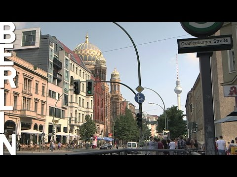 Many faces of East-Berlin – Time-Lapse-Video with Music (Berlin HeartBEAT)