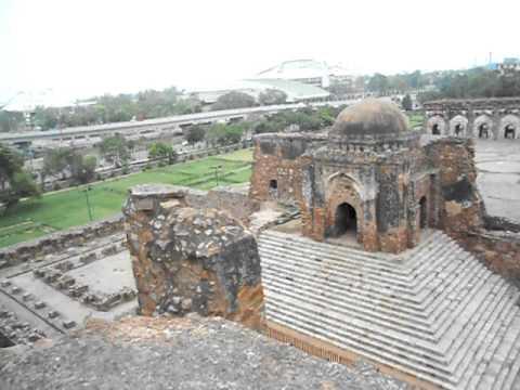 Delhiwonders : Feroz Shah Kotla : Ashoka Pillar