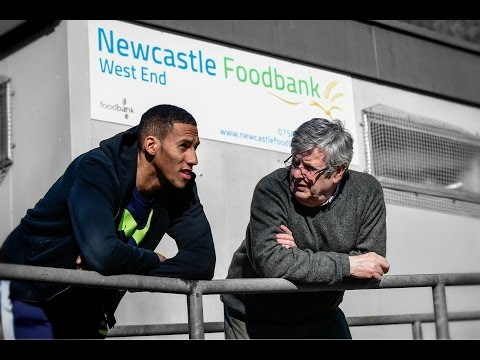 Isaac Hayden Visits Newcastle West End Foodbank Youtube
