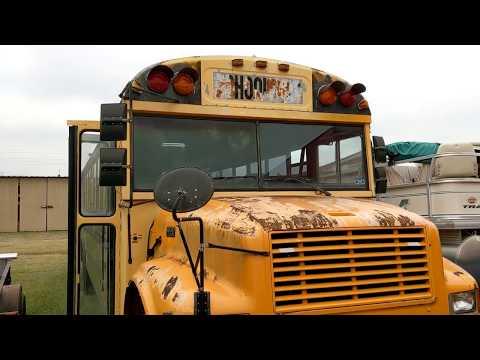2001 Carpenter Classic International 3800 School Bus Tour