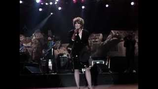 K.T. Oslin - Hey Bobby (Live at Farm Aid 1990)