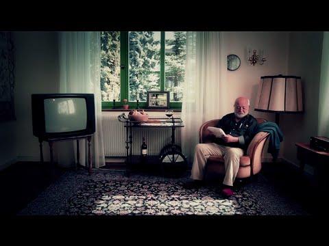 ein tisch ist ein tisch 2012 youtube. Black Bedroom Furniture Sets. Home Design Ideas
