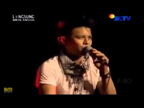 NOAH   Puisi Adinda   KONSER MEIS ANCOL 02 11 2012   YouTube