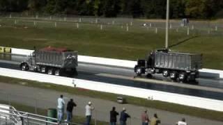 Dump Trucks Racing