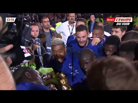 The Whole Nation of France Singing N'Golo Kante Song!