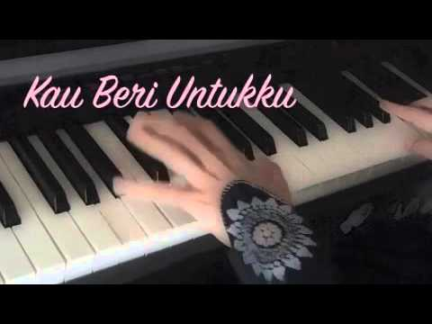 Muhasabah Cinta ~~EdCoustic~~ Piano Cover With Lyrics.