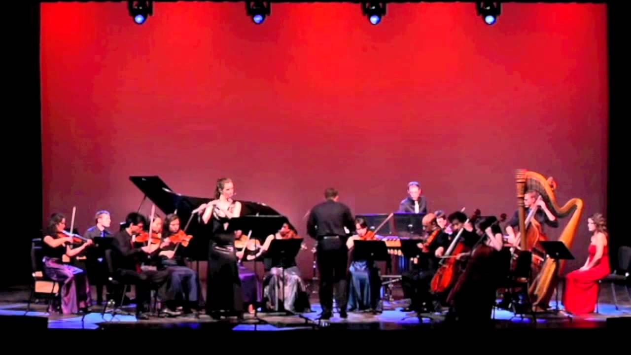 Emi Ferguson premieres Wayne Oquin's Flute Concerto