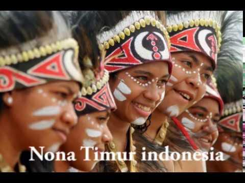 Nona timur indonesia ( RAPPER PAPUA )