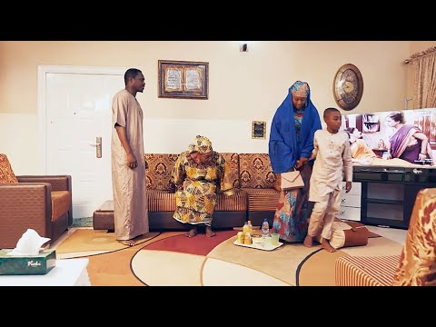 Download matalauciyar uwa daya shiga gidan attajirin ya sace zuciyarsa - Hausa Movies 2021   Hausa Film