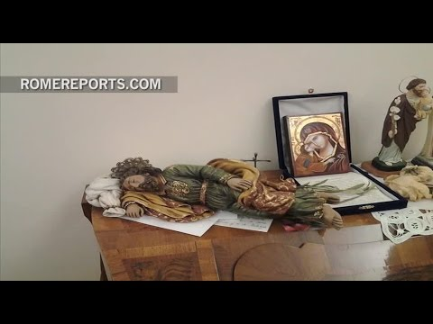 The statue of St. Joseph sleeping that Pope Francis keeps in his room