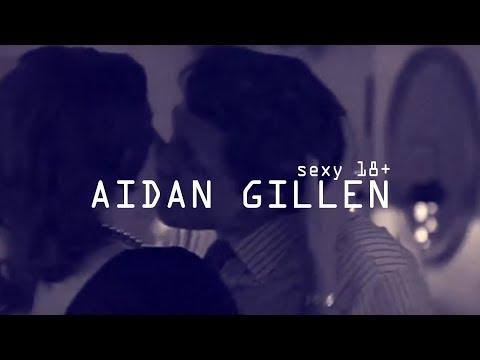 Aidan Gillen sexy 18