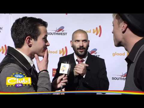Guillermo Díaz @ GLAAD MEDIA AWARDS on Red Carpet