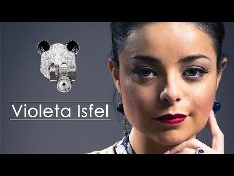 La hermosa Violeta Isfel solo en Panda Photo