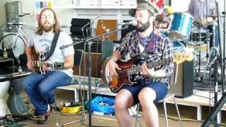 "Akron/family Performs ""river"" @ Design Within Reach For Sxsw 5"