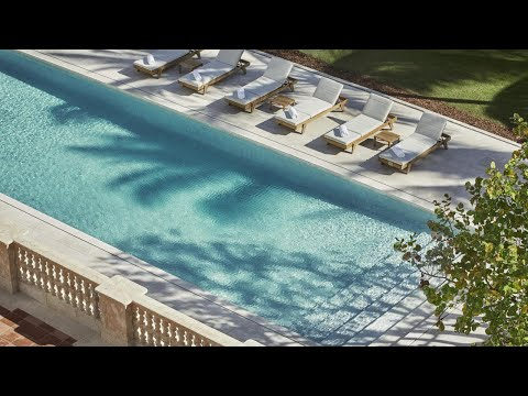 Four Seasons Surfclub Review: The Best Luxury Beach Hotel In Miami! (Surfside)