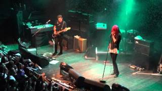 The Kills - Cheap and Cheerful - Live (HD)