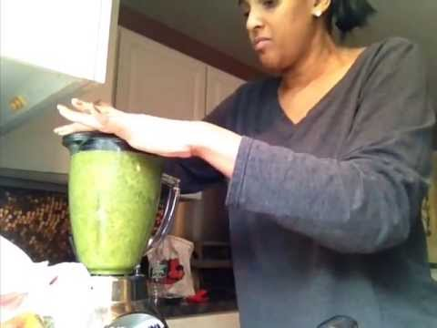 Green Smoothie with Chia & Flax Seed