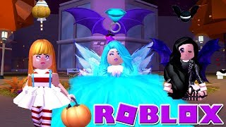 My Twins Give Me A Makeover + Halloween Candy Challenge! Roblox: 🦇Royalloween🦇