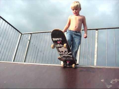 Htc Black Wallpaper 4 Year Old Skateboarder Youtube