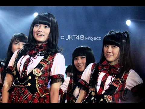 JKT48 - Hikoukigumo+Lirik