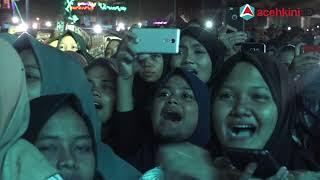 [3.10 MB] Suasana Konser Nissa Sabyan di Banda Aceh, Laki-laki dan Perempuan Dipisahkan