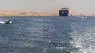 لحظة تاريخية  أول عبور للسفن فى قناة السويس الجديدة 25يوليو 2015