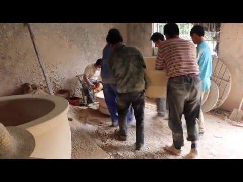 Big pot making in Jingdezhen