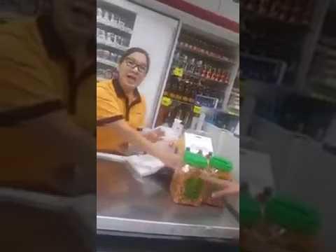 CASHIER cina singapura rasis dengan melayu..VIRAL!!!