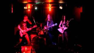 Louder Than You (The FUzZ live @Duffy's).wmv