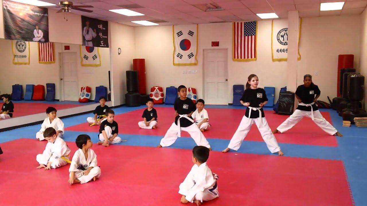 Clases de karate 2011 commack youtube for Lecciones de castorama de bricolaje