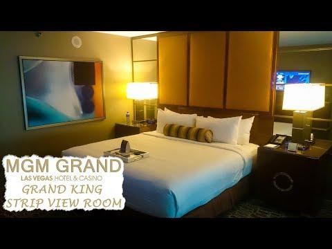Grand King Strip View Room Tour   MGM Grand Las Vegas Hotel & Casino