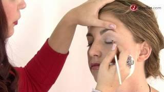 Truco para delinear el parpado superior con eyeliner