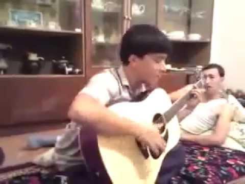 Perhat Selbijan gitara