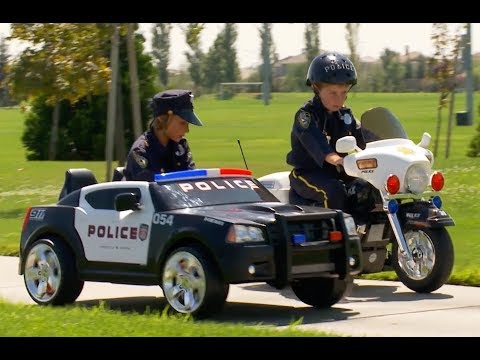 Sidewalk Cops ORIGINAL - The Litterbug | Police Kids Compila