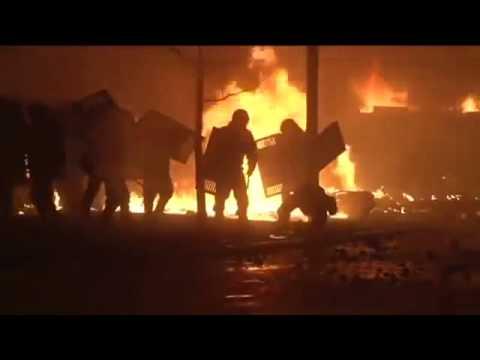 Protesters burned APC using molotov cocktails (ukraine)(Maidan Nezalezhnosti)