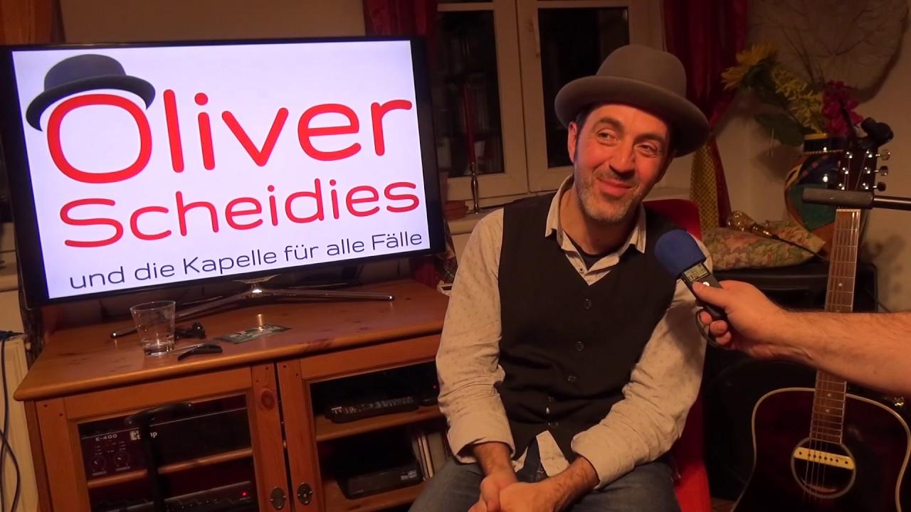 Oliver Scheidies Im Interview Beim Unplugged Wohnzimmer Konzert