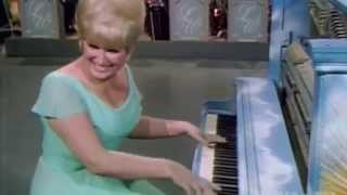 Jo Ann Castle Plays You Are My Sunshine