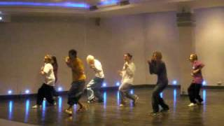 4.11.09 My HipHop Class - Kanye West - Walking on a moon (M357)
