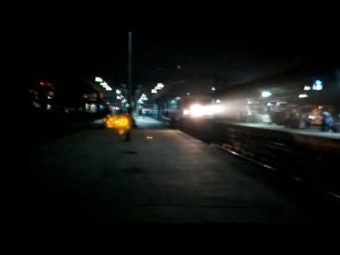Early morning departure of 11004 RAJYARANI EXPRESS from THANE with great acceralartion