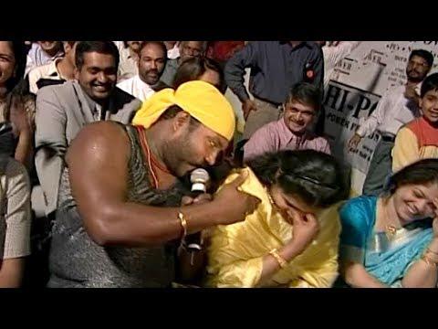 പെണ്ണുങ്ങളെ കയ്യിലെടുക്കാന് മണിച്ചേട്ടന് പണ്ടേ മിടുക്കനാ  Kalabhavan Mani Super Performance